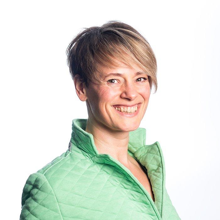 Stralende profielfoto van Melanie Verheijden gefotografeerd door BLINKfotografie.